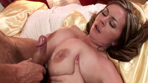 Sexy MILF needs hard slamming HD