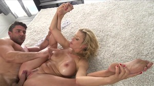 Busty hairy asian female Felicity Feline squirting