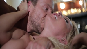 Rough hard nailining among young blonde Aliyah Love