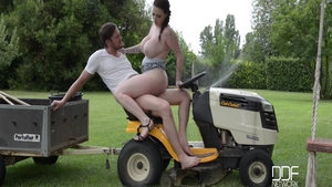 Plowing hard with large boobs Harmony Reigns & Yanick Shaft