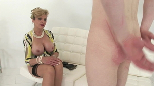 Young MILF Lady Sonia rushes spanking in HD