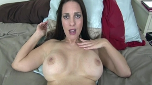 Babe Mindi Mink rough bends to get fucked