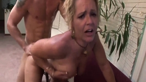 Big boobs Kelly Leigh goes for hard nailining