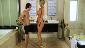 Hot & classy stepmom Courtney Taylor massage in shower