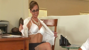 Charming Holly West really likes raw sex
