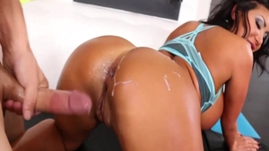 August Taylor fucks with large dildo