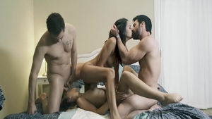 Petite chick Jaye Summers art pussy fuck foursome in HD