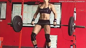 Muscle girl has a thing for workout HD