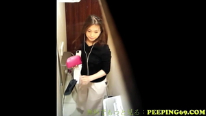 Masturbation in the store famous japanese in HD