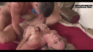 Large tits MILF has a taste for rough sex HD