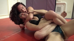 Lesbians pussy licking at the gym