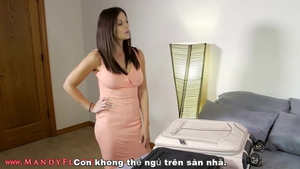 European stepmom Mandy Flores needs hard ramming in HD