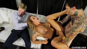 Good fuck escorted by big tits mature Luna Skye
