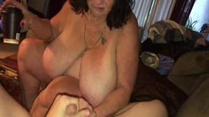 Young BBW agrees to raw sex