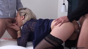 MILF Julie Holly in pantyhose double penetration