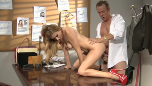 Loud sex accompanied by perfect stepmom Lexi Belle