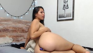Big butt colombian fucks with large dildo